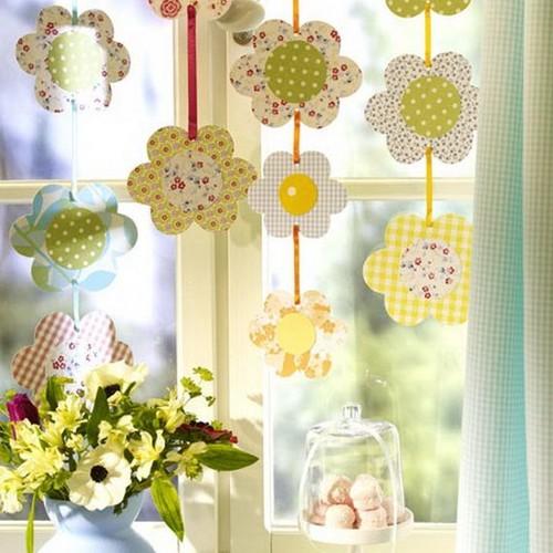 Jak ciekawie udekorować okno na Wielkanoc?