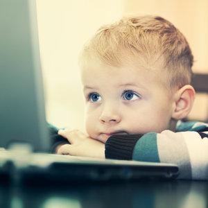 Jak skutecznie kontrolować dziecko w Internecie?