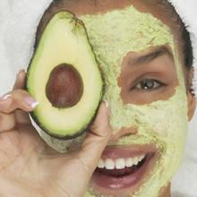 Jak przygotować maseczkę z awokado na suchą skórę?