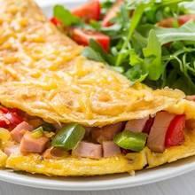 Jak zrobić doskonały omlet z szynką?