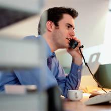 Jak dobrze i skutecznie rozmawiać z klientem przez telefon?