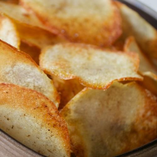 Domowe chipsy ziemniaczane z piekarnika – jak je przygotować?