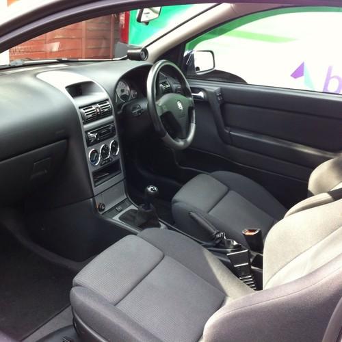 Jak dbać o wnętrze samochodu?