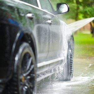 Ręczne mycie auta – krok drugi