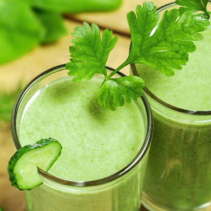 Jak przygotować smaczny zielony koktajl z ananasem?