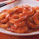 Jak przyrządzić egzotyczne krewetki w sosie pomidorowym?