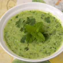 Jak zrobić ciekawy sos z kolendry?