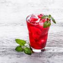 Jak przyrządzić mrożoną herbatę truskawkowo-rabarbarową?