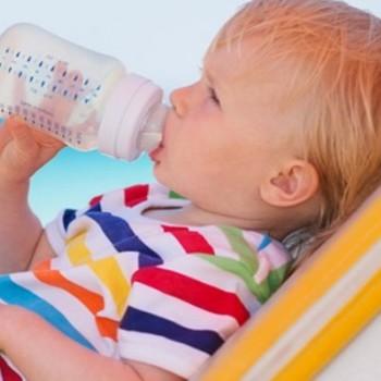 Jak spokojnie podróżować z niemowlakiem?