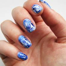 Na czym polega malowanie paznokci metodą wodną?