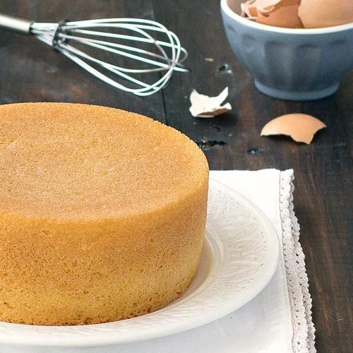 Jak upiec dobry biszkopt do tortu?