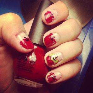 Jak namalować ładne jabłuszka na paznokciach?
