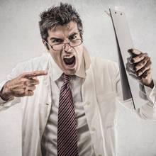 Jak sobie poradzić z trudnym klientem?
