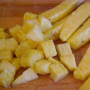 Ananas bez skórki