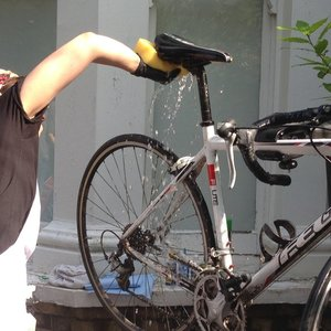 Spłukiwanie roweru
