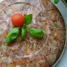 Jak przyrządzić galaretkę z mięsem?