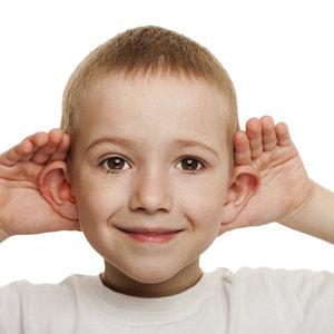 Jak skutecznie odetkać ucho zatkane woskowiną?