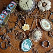 Jak poprawnie odświeżyć biżuterię?