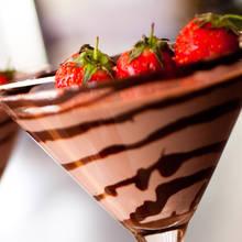 Jak zrobić doskonały koktajl czekoladowo-truskawkowy?
