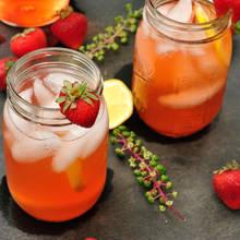Napój z imbiru i truskawek – jak go przygotować?