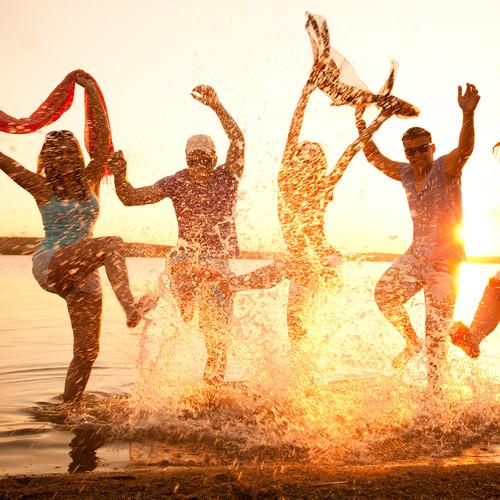Jak wybrać ubiór na imprezę plażową?