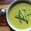 Kremowa zupa z cukinii z fetą – jak ją przyrządzić?