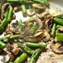 Jak przyrządzić szparagi z grzybami i cytryną?