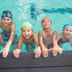 Jak uniknąć zapalenia ucha po pobycie na basenie?