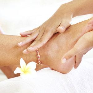 Jak poprawnie zrobić masaż stóp?