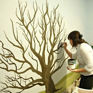 Obraz drzewa na ścianie – krok siódmy