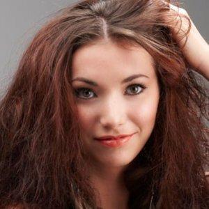 Jak uratować zniszczone włosy?